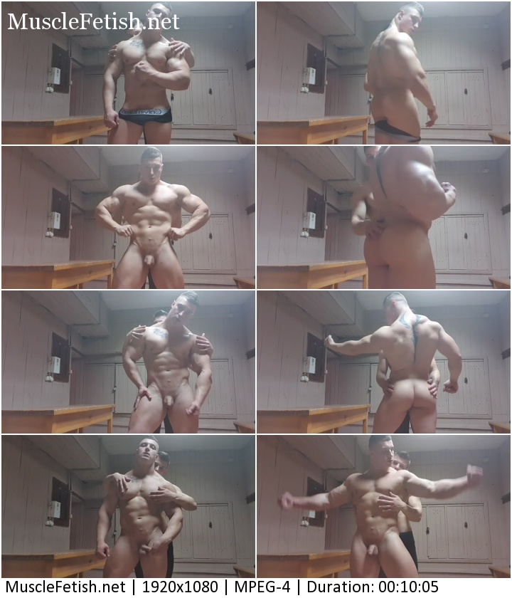 Bodybuilder Armando worships pumped-up ass. Erotic male photo session