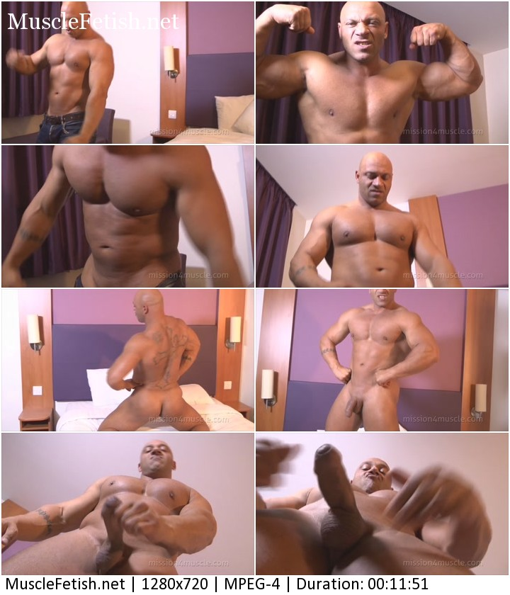 Bodybuilder Big Ivan - naked muscle flex from Mission4Muscle
