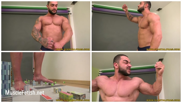 Bodybuilder Carl in video from Flex4Me - Giant in the City