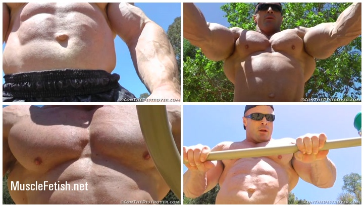 Bodybuilder Con Demetrious working out in a public park
