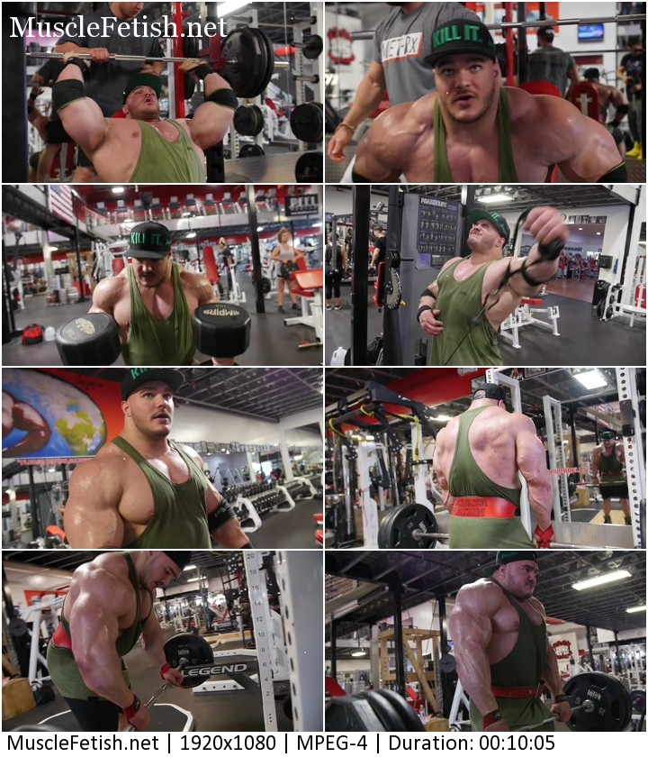 Bodybuilder Nick Walker - workout in gym