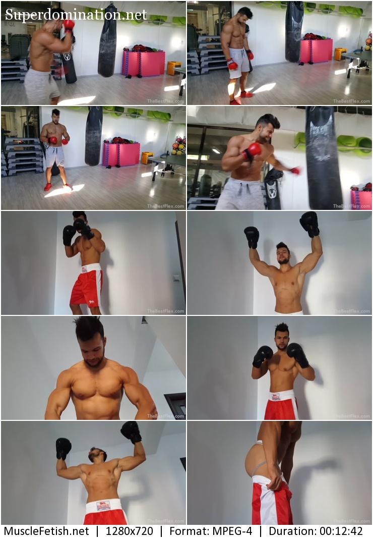 Bodybuilder Raul posing in boxing gloves