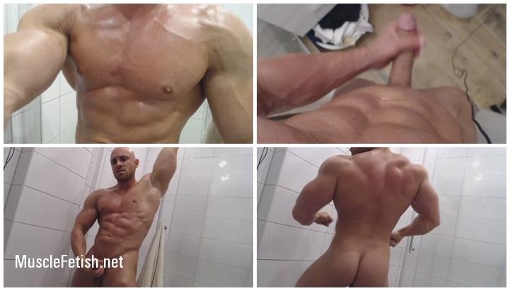 Bodybuilder Roland Muscle Show