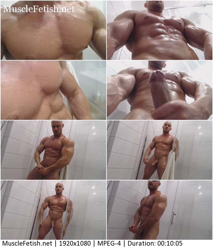 Bodybuilder Roland - Sexy Muscle Show