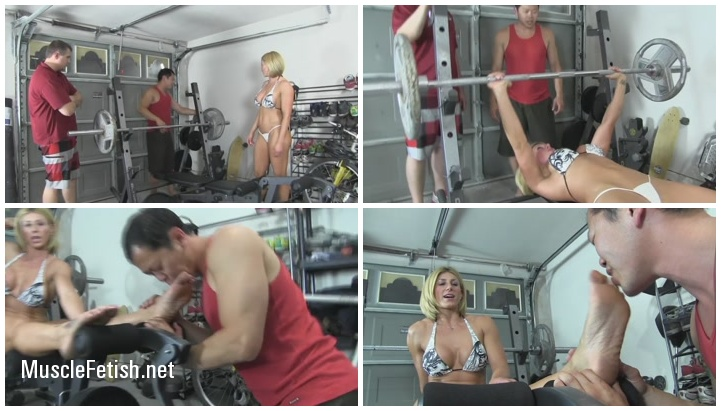 Mistress in the gym is training with two guys