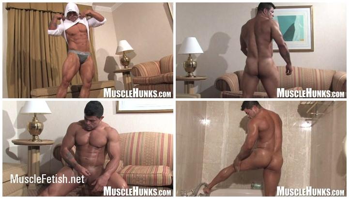 Muscle hunks - Bodybuilder Paul Popo - hot scenes