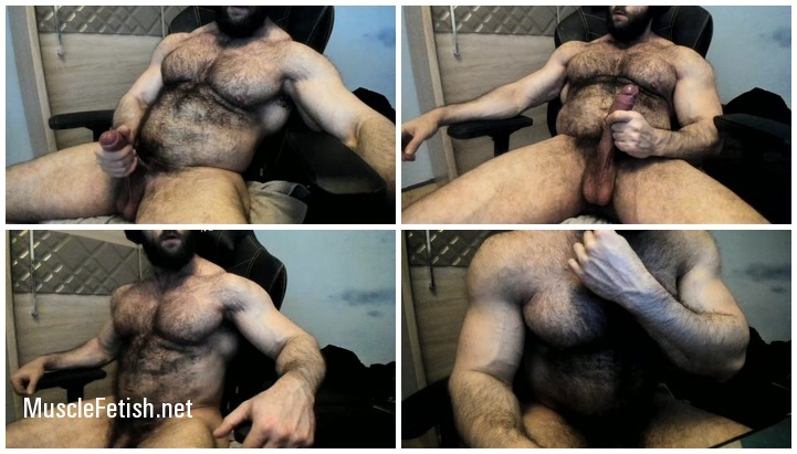 Muscled monster from Chaturbate