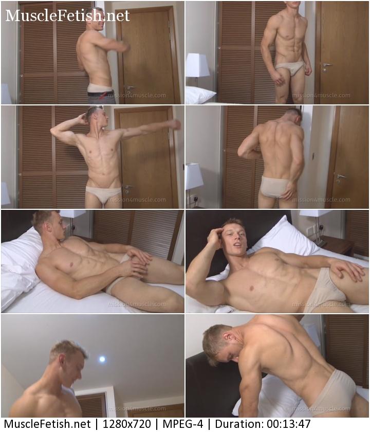 Muscular model Peter Valentin - Muscle Flex Show