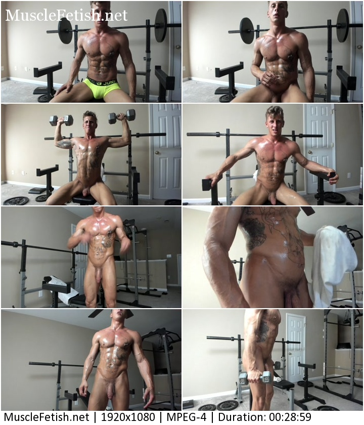 Naked muscular boy from chaturbate posing in the gym